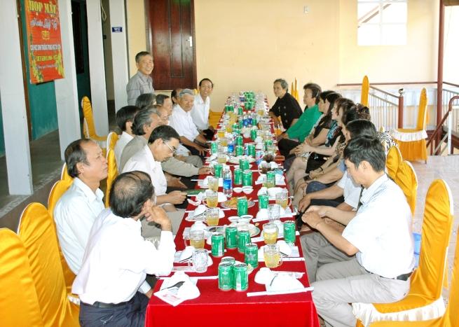 HM mùng 8 tết Quý Tỵ - 17/2/2013 NHĐS12
