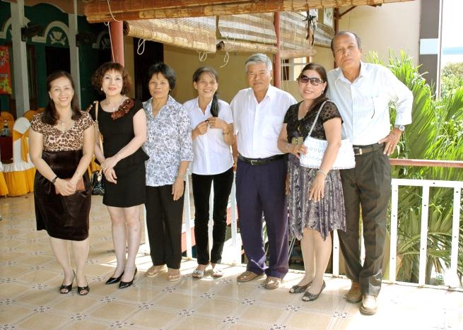 HM mùng 8 tết Quý Tỵ - 17/2/2012 NHĐS1